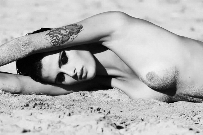Isabeli Fontana nude by Terry Tsiolis for Muse